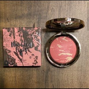 Ciate-Marbled Light Illuminating Blusher